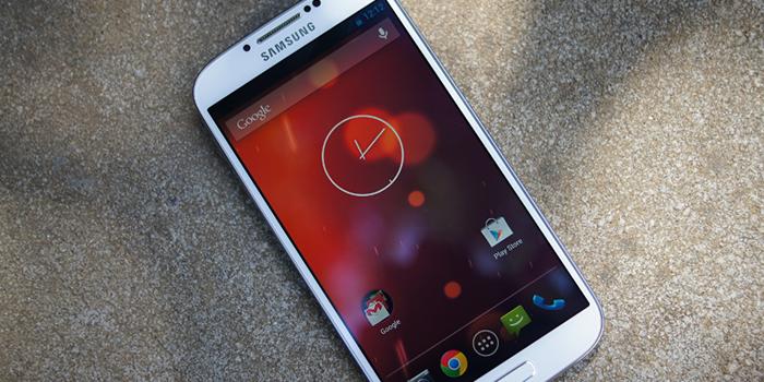 Леденец для Samsung Galaxy GPE S4 уже сейчас